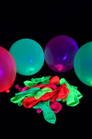 Ballons fluo multicolore Ø 25cm lot de 100